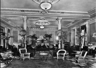 Foyer Lounge